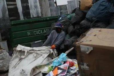 Reciclar en tiempos de cuarentena: sigan haciéndolo, claman los recolectores en Chile
