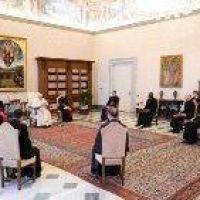 Catequesis del Papa: La oración abre la puerta a la esperanza