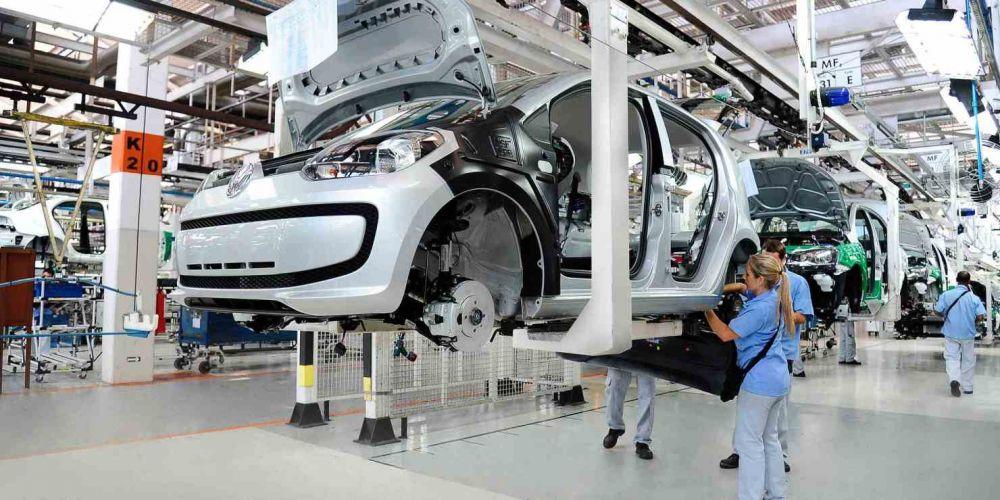 """La UIA teme por la """"poca perspectiva de recuperación"""" de las empresas"""