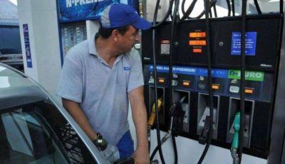 Por la cuarentena, las ventas de naftas se derrumbaron 67,5% en abril