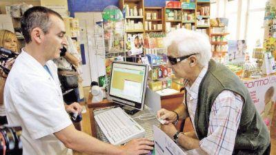 Las farmacias no se consideran comercios y rechazan multas del Gobierno