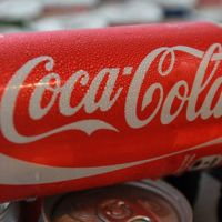 Coca-Cola lanza lata para