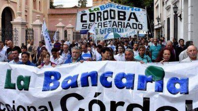 Bancarios lanzan en Córdoba un paro de 24 horas contra la reforma previsional