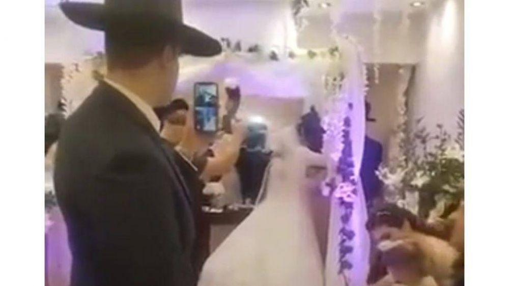 Boda clandestina: judíos ortodoxos celebraron un casamiento con 150 invitados