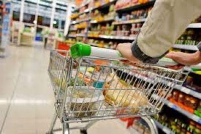 Las ventas en los supermercados aumentaron 10,7% en marzo, en el inicio de la cuarentena