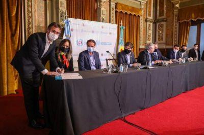 Junto a Fernández y Kicillof, Achával firmó un convenio para realizar obras y generar trabajo en Pilar