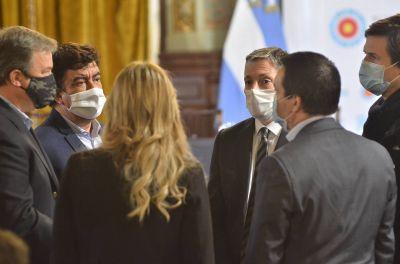 Fernando Gray con Alberto Fernández y Axel Kicillof en el lanzamiento del nuevo plan de infraestructura