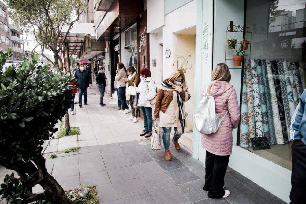 Reapertura comercial: Junto a comerciantes y vecinos Montenegro advirtió «no es un paseo, es reactivar nuestra economía»