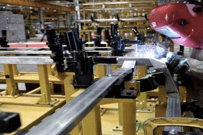 Pymes metalúrgicas aseguran que el sindicato no respeta el pacto salarial
