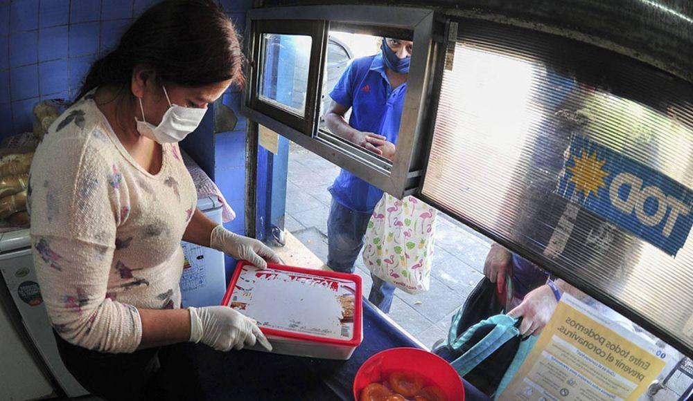 """""""Desde el inicio de la pandemia se distribuyeron 11 toneladas de alimentos"""""""