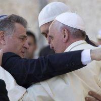 """El mensaje de paz implícito en el """"abrazo de las tres religiones"""""""