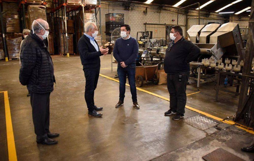 Nardini visitó industrias que están operando en Malvinas Argentinas