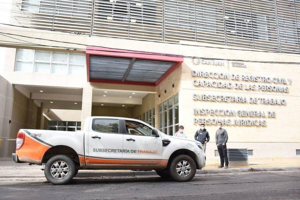 Alrededor de 400 empleados de comercio sanjuaninos acordaron una reducción salarial