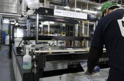 Morón: 20 fábricas retoman sus actividades con la autorización de Nación