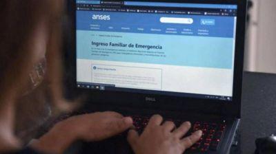 Guzmán confirmó que se volverá a pagar el Ingreso Familiar de Emergencia