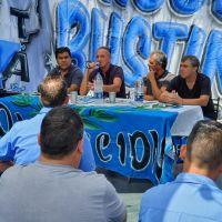 """Un sector de la UTA llamó a un paro de colectivos y denunció la """"inacción"""" de Fernández"""