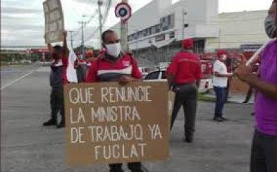 Sindicatos piden la renuncia de la ministra de Trabajo