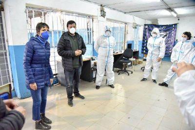Mayra Mendoza supervisó el operativo especial de pago del IFE en Villa Azul