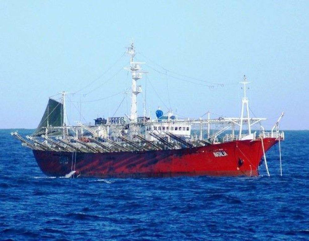Coronavirus: activan protocolo en el puerto y retorna un buque con 29 marineros por casos sospechosos