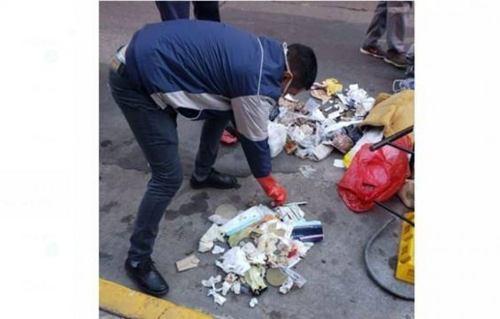 Una clínica estética fue multada por tirar residuos patógenos junto con basura reciclable