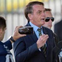 """Jair Bolsonaro anunció que tomará acciones legales contra el grupo """"Anonymous"""" tras la publicación de sus datos personales"""