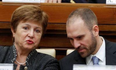 El Gobierno cree que podrá postergar el pago de su deuda con el FMI aunque no salga del default con los bonistas