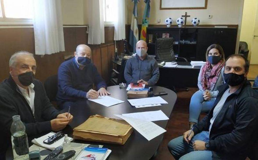 Mar Chiquita: El municipio y la Cooperativa Arbolito sellaron un nuevo convenio