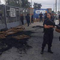 Trabajadores del frigorígico quilmeño Penta denunciaron el ataque de una patota al servicio de la empresa