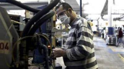 El Estado invertirá 37.000 millones de pesos para pagar salarios de mayo a privados