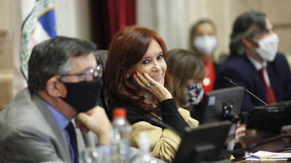 Cristina cuestionó a Clarín por poner en duda la denuncia de la jueza Figueroa a Mahiques
