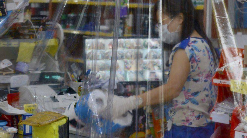 Las ventas minoristas de los comercios se derrumbaron un 51% en mayo