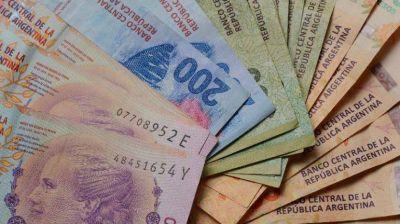 Mercado financia en pesos al Tesoro y descomprime la megaemisión