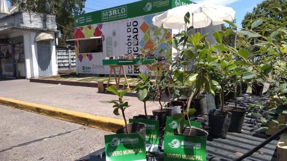 Ola verde en Merlo: En los últimos tres años se han entregado alrededor 4.000 árboles para que el vecino los plante en su casa