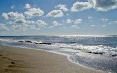 Flexibilización en Gesell: Intendente anunció el regreso de la playa y la pesca