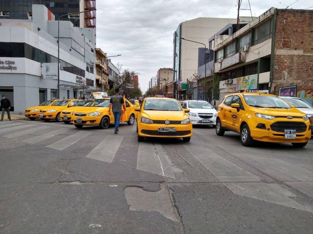 Preocupación en Córdoba: Peones de Taxis denuncian que se perdieron 1.000 puestos