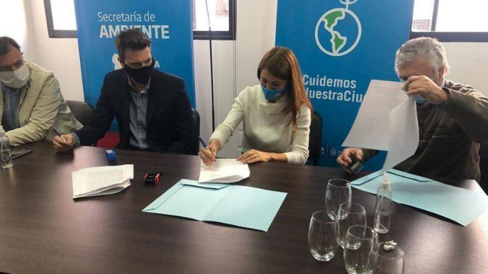 Firman convenios para erradicar micro y macro basurales en Córdoba