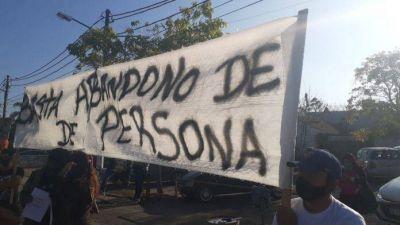 """""""No queremos que su muerte quede impune"""": familiares de Catriel marcharon al hospital Santamarina"""