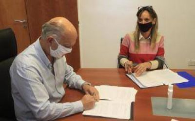 Lanús: Galmarini y Grindetti firmaron convenio para ampliación de red de agua y cloacas