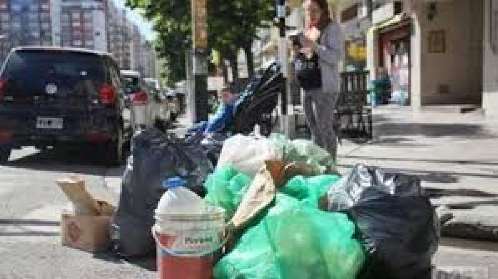 Justifican los problemas de recolección en barrios marplatenses por los días de bloqueo en el basural