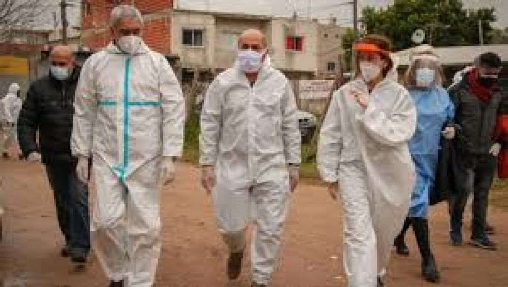 Operativo en la Villa Cabezas para la entrega de alimentos y calzado