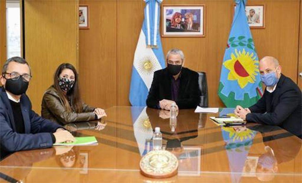 Ferraresi y el secretario de Pymes de Nación visitaron una empresa local que reabrió sus puertas