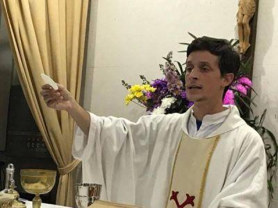 El Padre Federico Telles se retira de Lobos