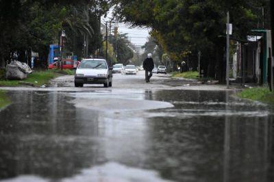 Por la lluvia y los fuertes vientos hay varias zonas sin luz