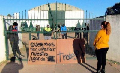 Desalojan a trabajadores de la planta de reciclado de Castex