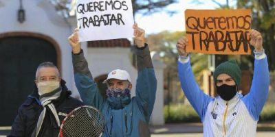 Trabajadores del tenis y el pádel reclamaron por su trabajo
