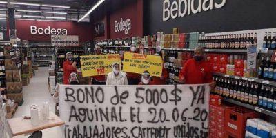 Se multiplican las protestas en Carrefour por la negativa de la empresa a pagar el bono acordado