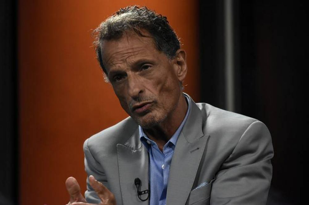 """Claudio Belocopitt: """"Si se mantiene estable el número de casos, en cuatro o cinco semanas podría colapsar el sistema de salud"""