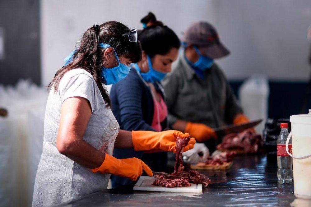 Los comedores barriales entregan más de 33 mil viandas por semana