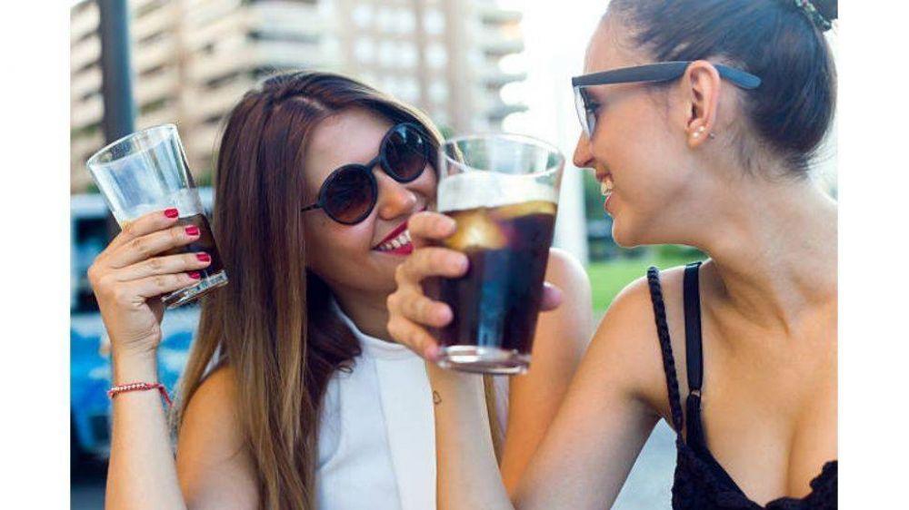 La industria de bebidas sin alcohol registró una caída cercana al 30% en los últimos dos meses