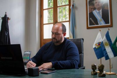 Sanzio firmó un convenio de asistencia financiera con el gobernador Kicillof